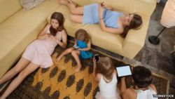 kids on cell phones and tablets